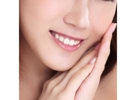 上海戴牙套大概多少钱?