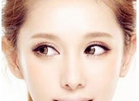 上海割双眼皮手术价格主要与什么有关