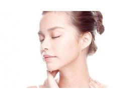 脖子是女人的第二张名片,美莱除皱抚平你的颈