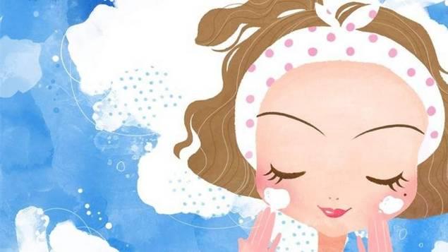 做好皮肤的清洁是为了防止毛孔堵塞,过多的油脂分泌.图片