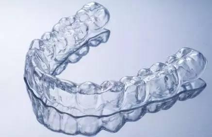 隐形矫正牙齿方便