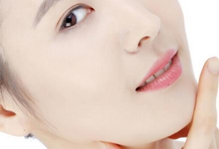 冬季脸上起皮如何快速消除