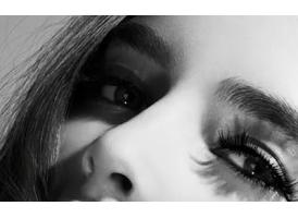 眼睛有黑眼圈怎么办,用什么方法改善好