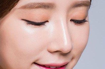 做个韩式隆鼻在上海做手术要花多少钱呢