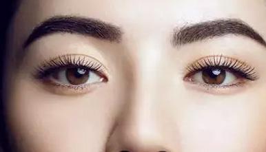 双眼皮术式各有各的好处,而且每个人眼部形态的不同,适合的双眼