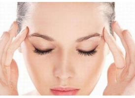 脸上干燥起皮怎么办?这几种伤脸的事你干过吗?