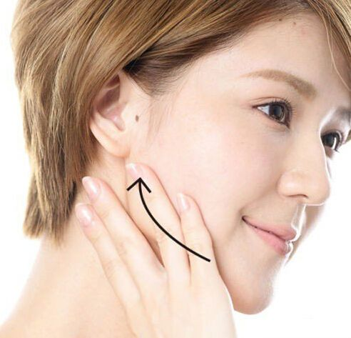 双下巴吸脂手术术后需要注意什么事情