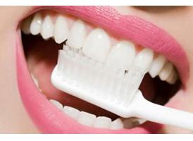 上海冷光美白牙齿多少钱 冷光美白牙齿保持多久